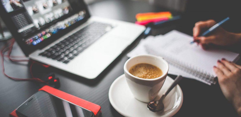 O Hábito de tomar café é capaz de tornar o dia de trabalho mais produtivo