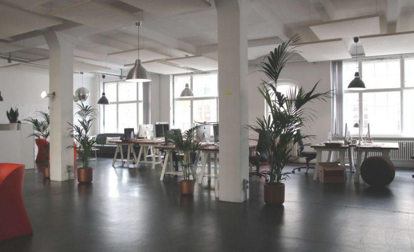 Quais as opções de estação de trabalho minha empresa terá em um coworking