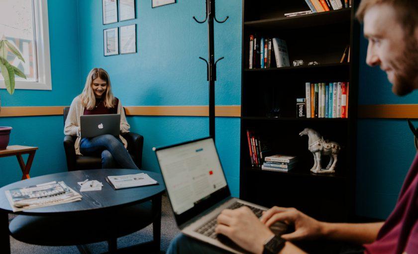 LinkedIn revela lista de empresas dos sonhos dos brasileiros, que inclui nomes como Movile e Stone