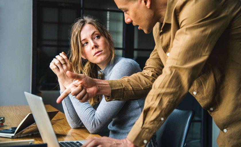 Quais os benefícios de empreender em um coworking?