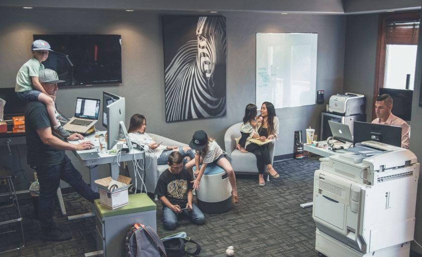 Por que o escritório compartilhado é ideal para pais que trabalham