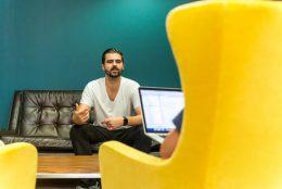 5 cases de sucesso de empresas que valorizam a saúde mental dos funcionários