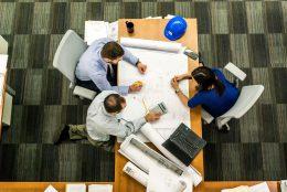 O que preciso perguntar à minha equipe antes de mudar de escritório?