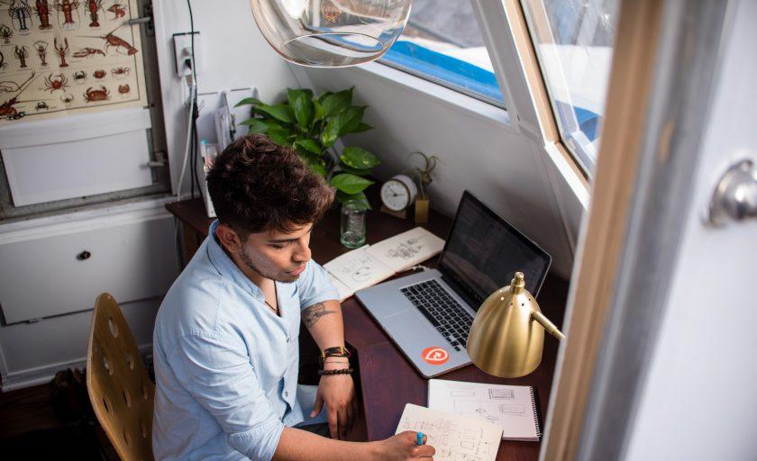 10 ideias para você não pirar e se destacar trabalhando remotamente
